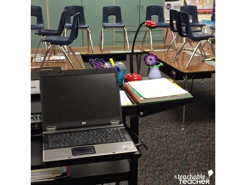 audio/visual cart for teachers